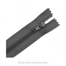 Fermeture à glissière grise - 19,5 cm