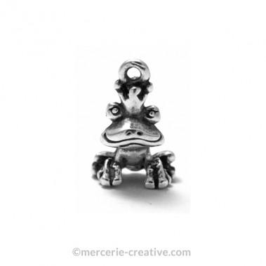 Breloque prince grenouille métal argenté