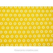 Coupon de tissu jaune soleil