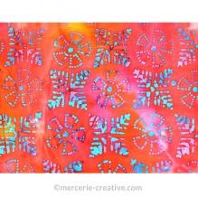 Coupon de tissu éthinque rose et bleu