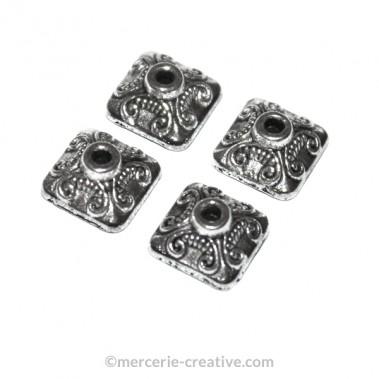 Calotte carrée en métal 9 mm x4